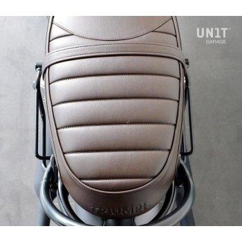 Seitentasche aus Spaltleder + rechtem Rahmen