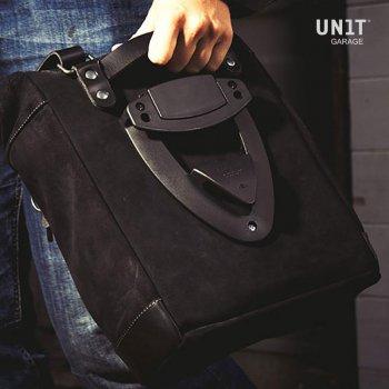 Seitentasche aus Spaltleder + Triumph Scrambler/Bonneville Linke Rahmen