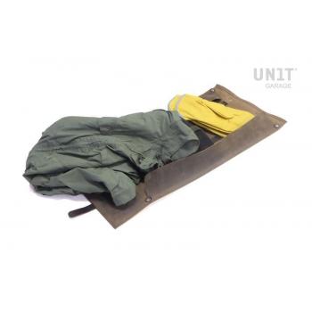 Tasche/Rolle aus gewachstem Wildleder